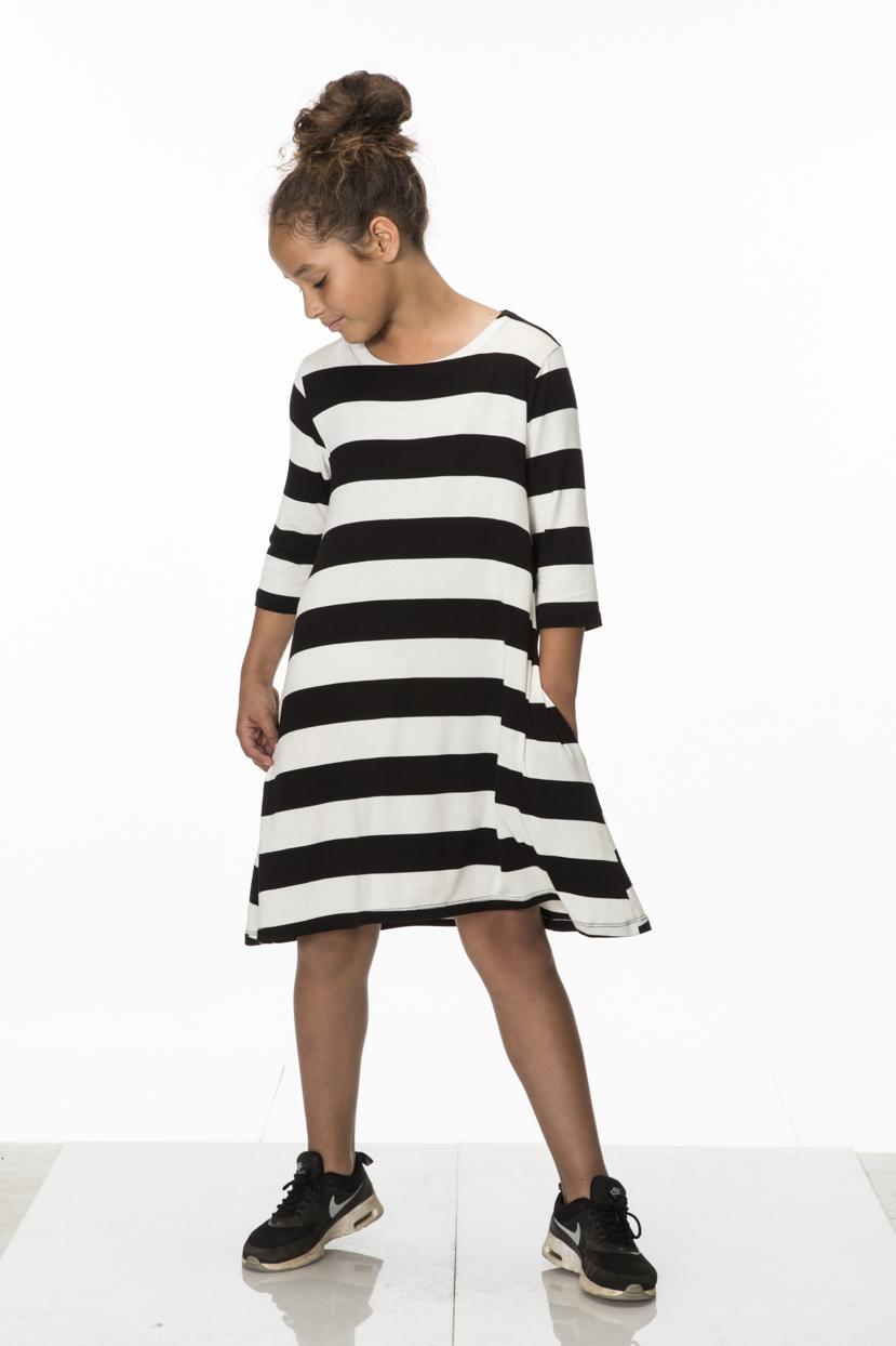 Eden Dress w Pockets_Striped_Lina_024